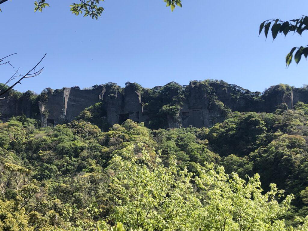鋸山全景「ラピュタの壁」